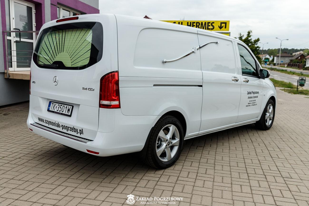 biały samochód 3